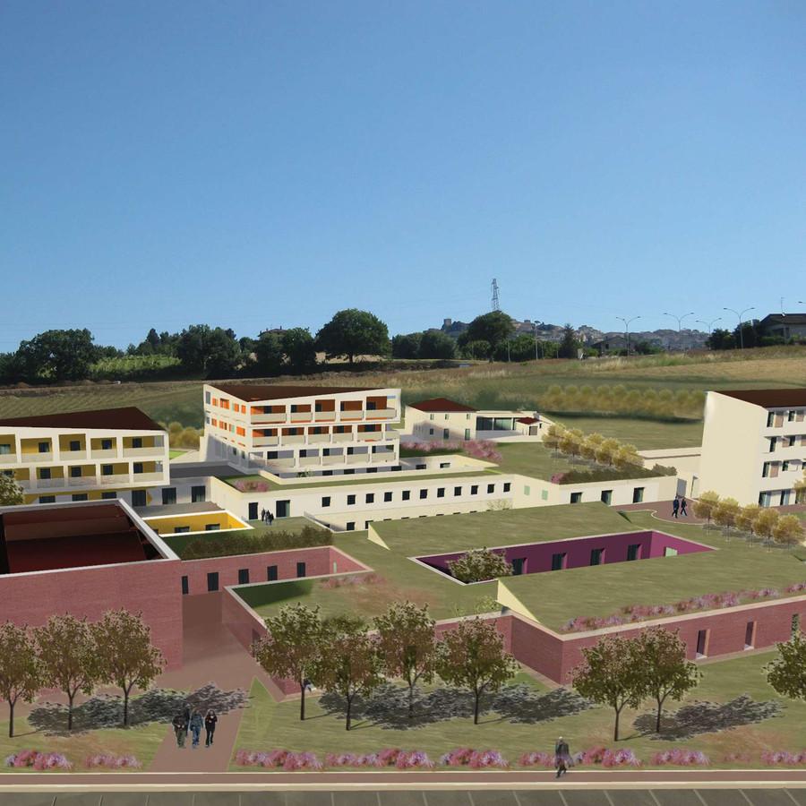 Immagine al computer del progetto del Nuovo Centro Nazionale. Inquadrato dall'alto, ci sono tutti gli edifici, bianchi con infissi di colori diversi, e le aree verdi con fiori e alberi. Sullo sfondo le colline osimane e il cielo azzurro.