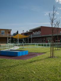 Il giardino con parco giochi del Centro di Lesmo della Lega del Filo d'Oro